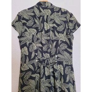 VNT Amanda Lane green and black floral maxi dress